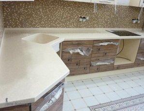 Угловая столешница из искусственного камня для кухни