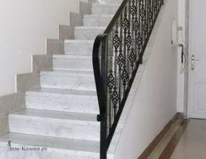Bianco Carrara ступени