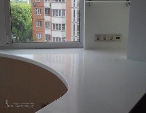 подоконник стол