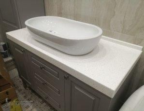 Столешница из искусственного камня в ванную