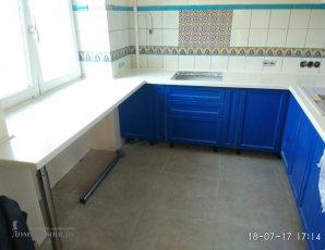 Кухонная столешница переходящая в подоконник - стол