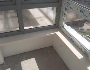 Угловой подоконник на балкон